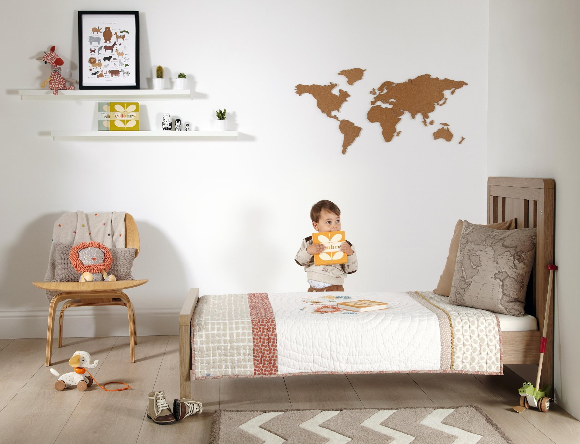 ZBZ_Lifestyle_Toddler_Bed_Hero_Shot_with_kid.jpg